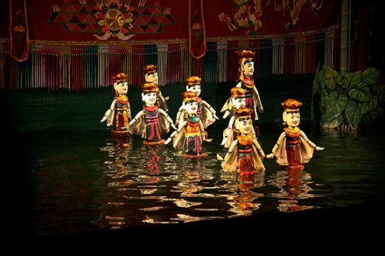 Water-Puppets-Show-of-Vietnam